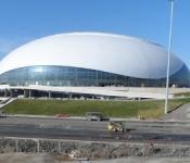 Состоялся первый хоккейный матч в истории олимпийского ледового дворца «Большой»